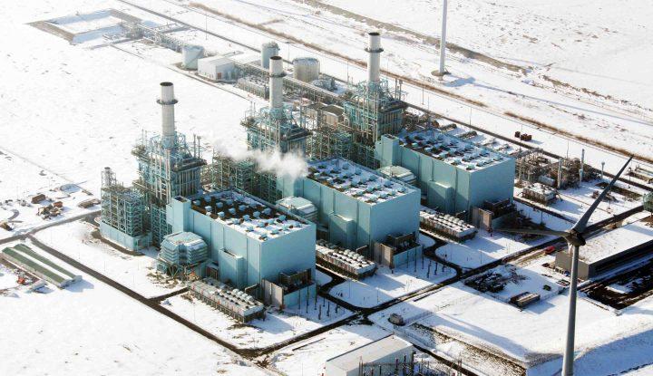 Industriedeuren en geluiddempende roosters voor energiecentrale
