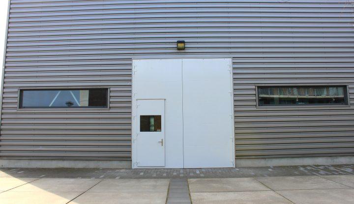grote geluidsisolerende deur