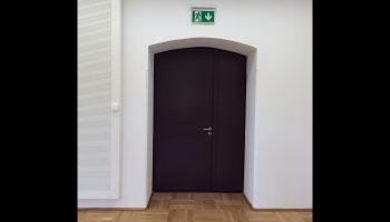 Geluidsisolerende deuren voor gerenoveerd kasteel