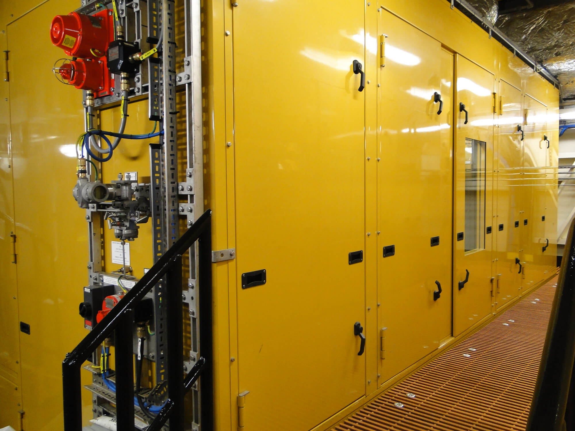 Acoustic enclosure generator sets on a Shell offshore platform