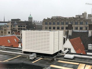 Geluidscherm voor koeler en airco units hotel